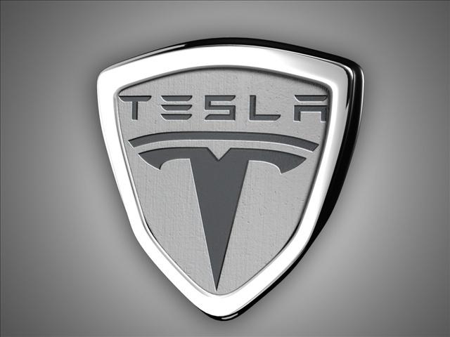 Investors sue Tesla over car safety
